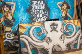Розпис стін в морській тематиці