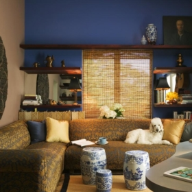 dp_jane-ellison-elegant-asian-style-living-room-blue-walls_s4x3-jpg-rend-hgtvcom-966-725